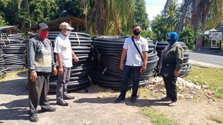 Pengecekan/verifikasi barang oleh Tim Pamsimas Kabupaten Bulelen