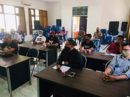 Perbekel Bengkala menghadiri undangan sosialisasi dari Pemerintah Kecamatan Kubutambahan