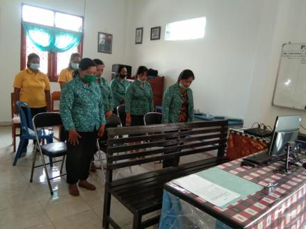 """PKK Desa Bengkala mengikuti Vidio Conference dengan tema """" Ketua Tim Penggerak PKK Provinsi Bali Men"""