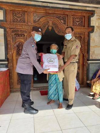 Bakti Sosial Oleh Polres Buleleng di Desa Bengkala