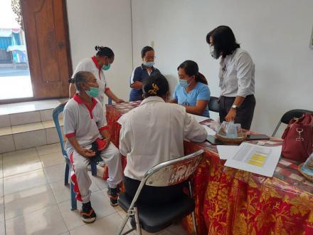 Pemeriksaan laboratorium oleh Prodia Cabang Singaraja di Desa Bengkala