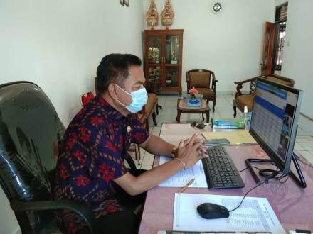 Koordinasi Pelaksanaan Kegiatan dan Anggaran PPKM Skala Desa melalui aplikasi Zoom Metting